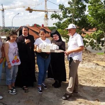 Tėve mūsų su savanoriais iš Turkijos, Gruzijos, Armėnijos ir Rusijos pakraščių
