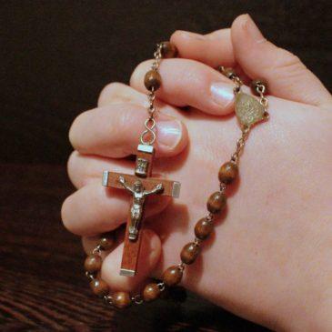 Kviečiame bendrai maldai