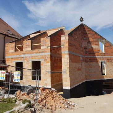 Vainikuotas statybų etapas