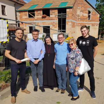"""Poznanės arkivyskupijos """"Caritas""""  atstovai svečiuojasi Hospise"""